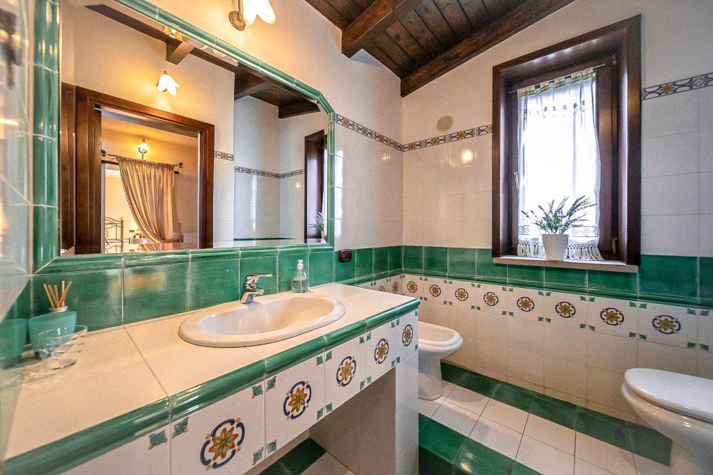 Bagno del primo piano Villa Lara Sicilia