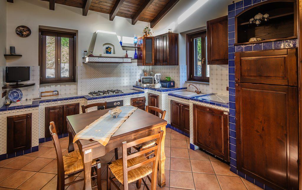 Cucina secondo piano Villa Lara Sicilia