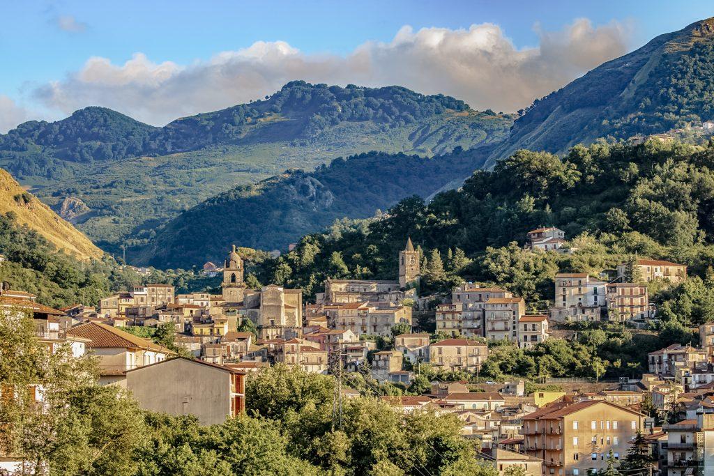 Vista paese di Tortorici da Villa Lara Sicilia