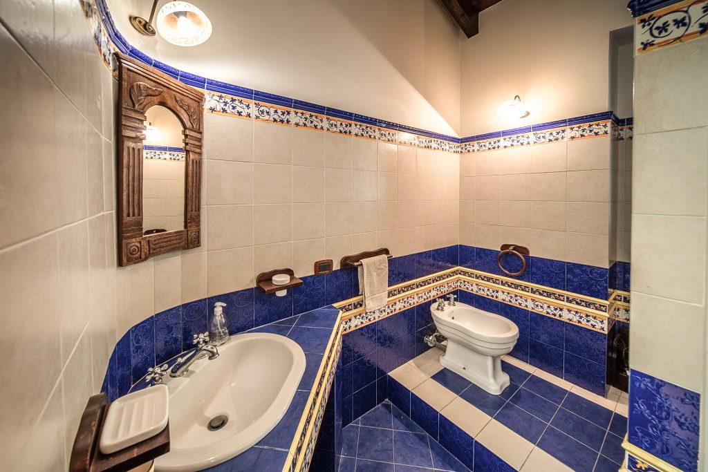 Bagno terzo piano Villa Lara Sicilia